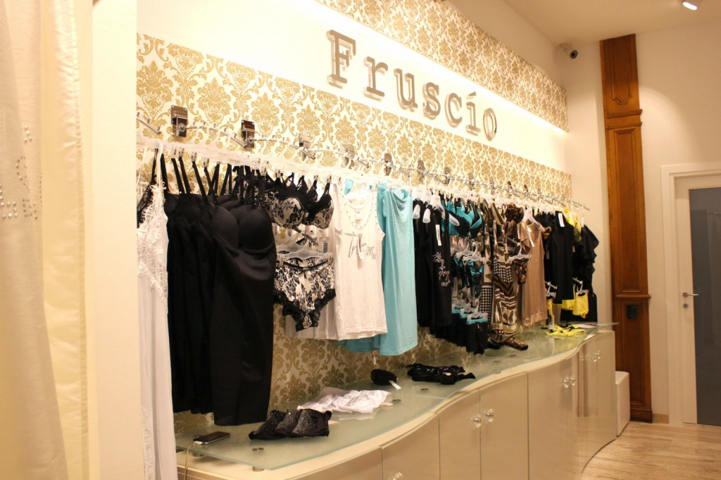 Fruscio - boutique Milano - Via Carducci, 9 - pic2 [1600x1200]