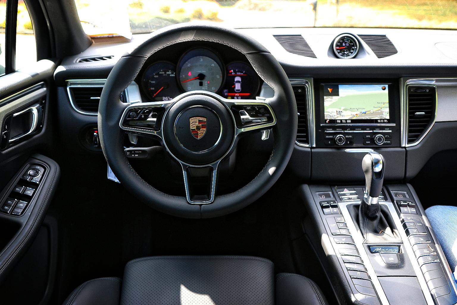 Porsche-Macan-005