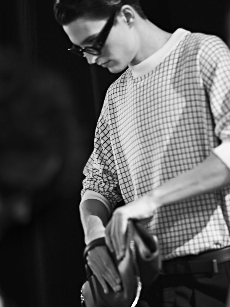 Canali-SS15-backstage10