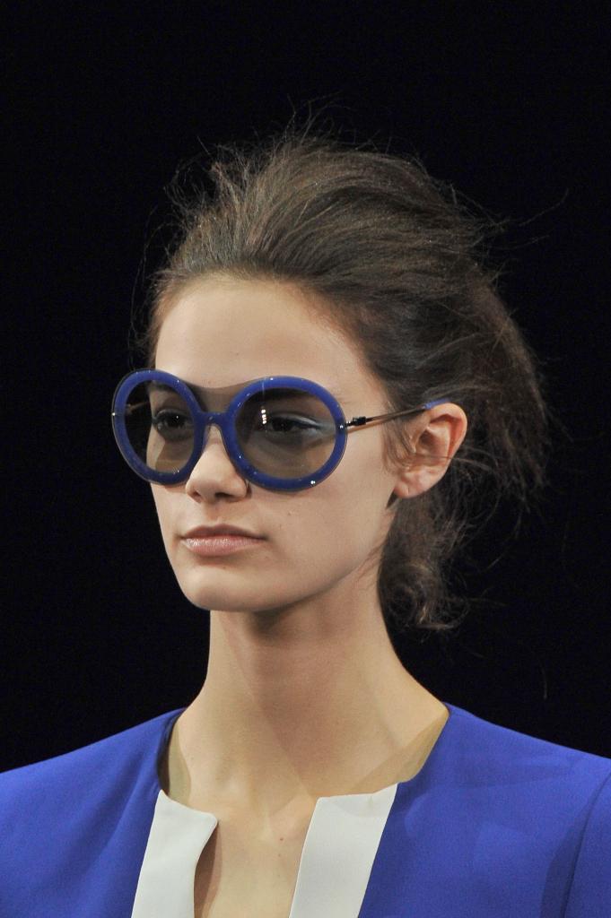Emporio Armani Womenswear SS15 close up