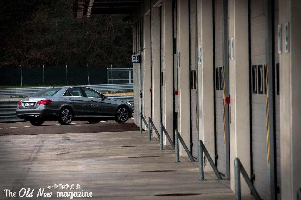 Mercedes-Benz  Hybrid (1)
