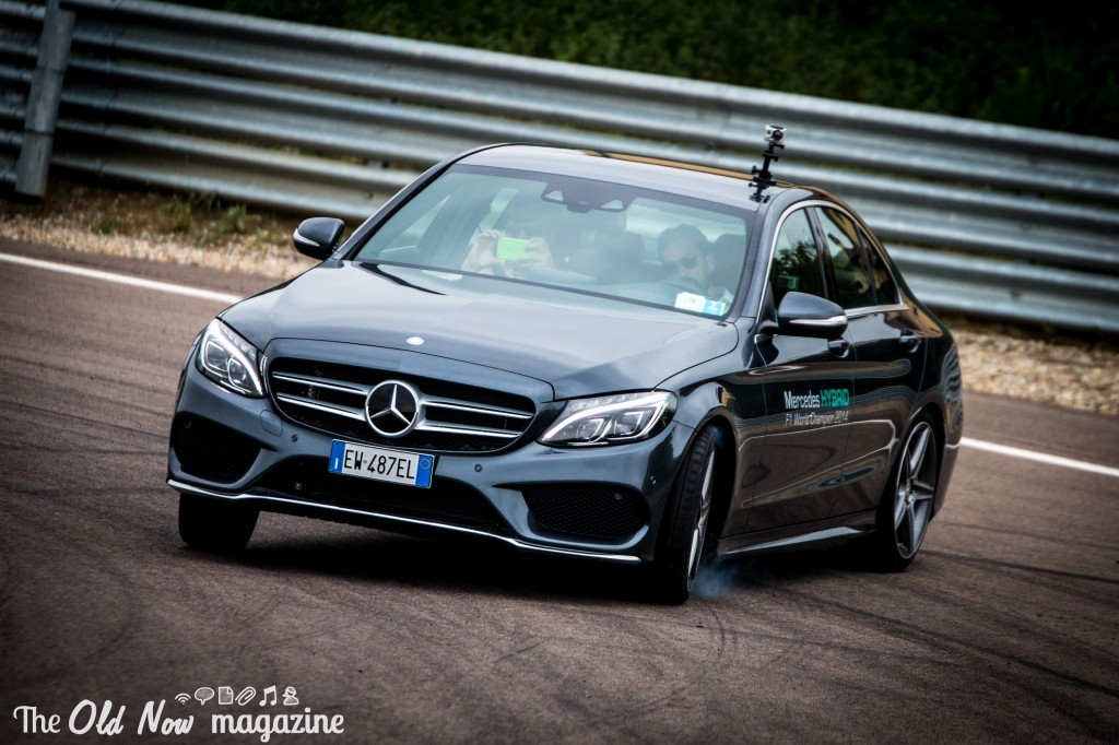Mercedes-Benz  Hybrid (19)