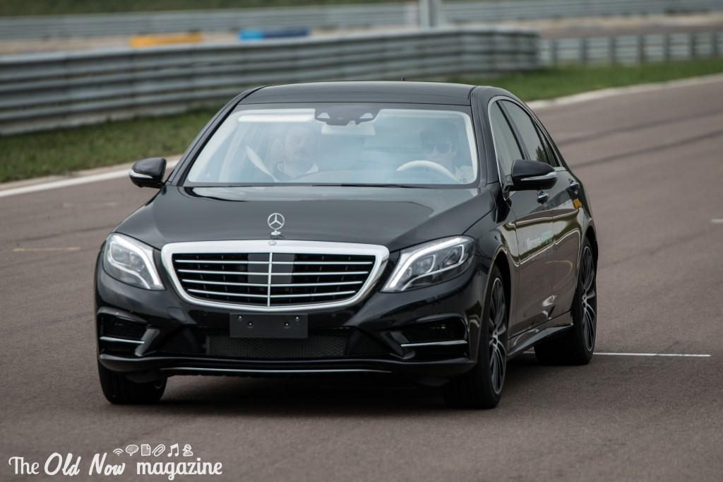Mercedes-Benz  Hybrid (2)