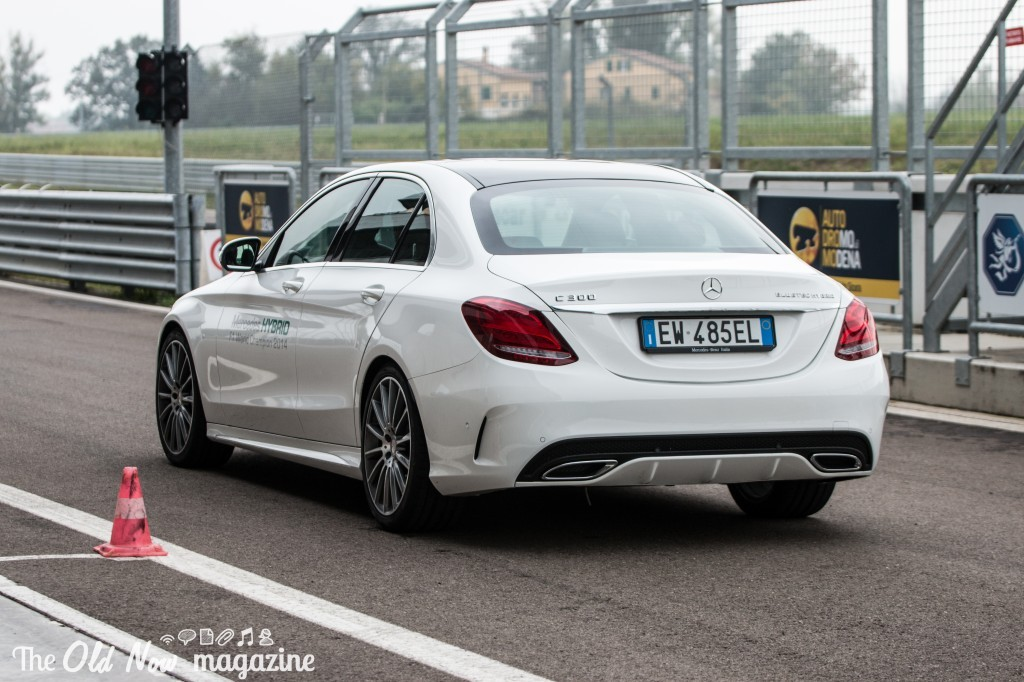 Mercedes-Benz  Hybrid (23)