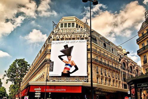 joeeisner Paris street shot (06-2012) -2 Galeries Lafayette