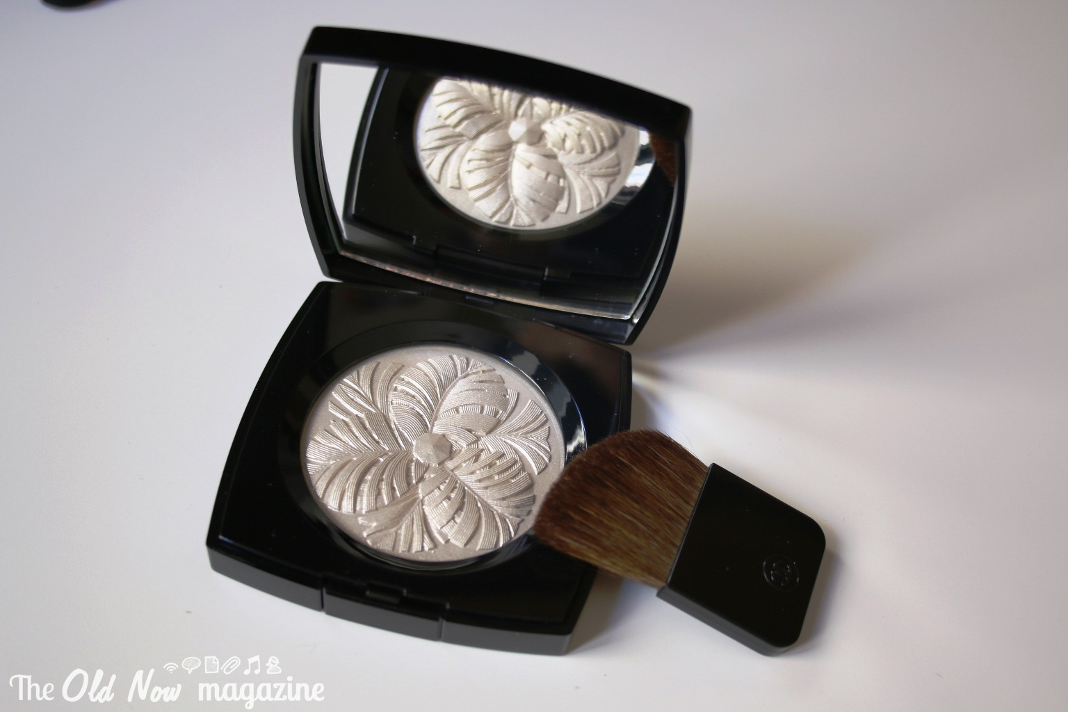 Collection Plumes Precieuses de Chanel THEOLDNOW (10)