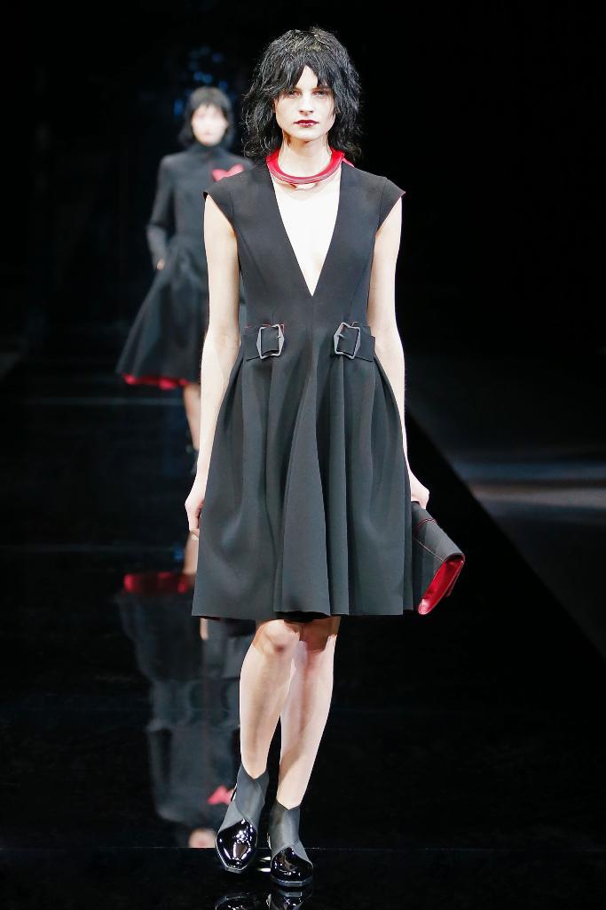Emporio Armani Womenswear FW1516_01