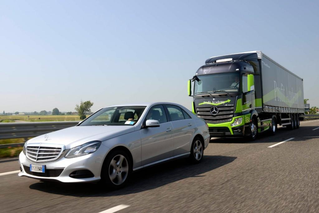 Mercedes-Benz_Actros(80)