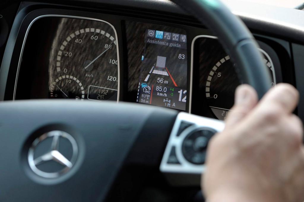 Mercedes-Benz_Actros(91)
