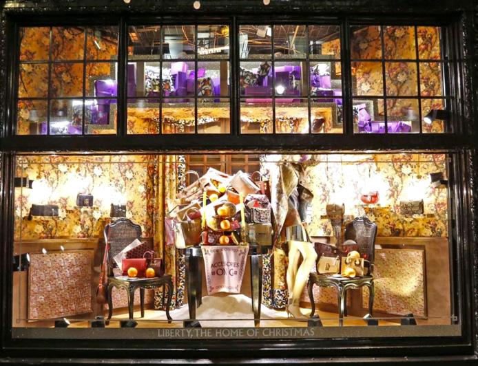 grande magazzino Liberty Londra Natale