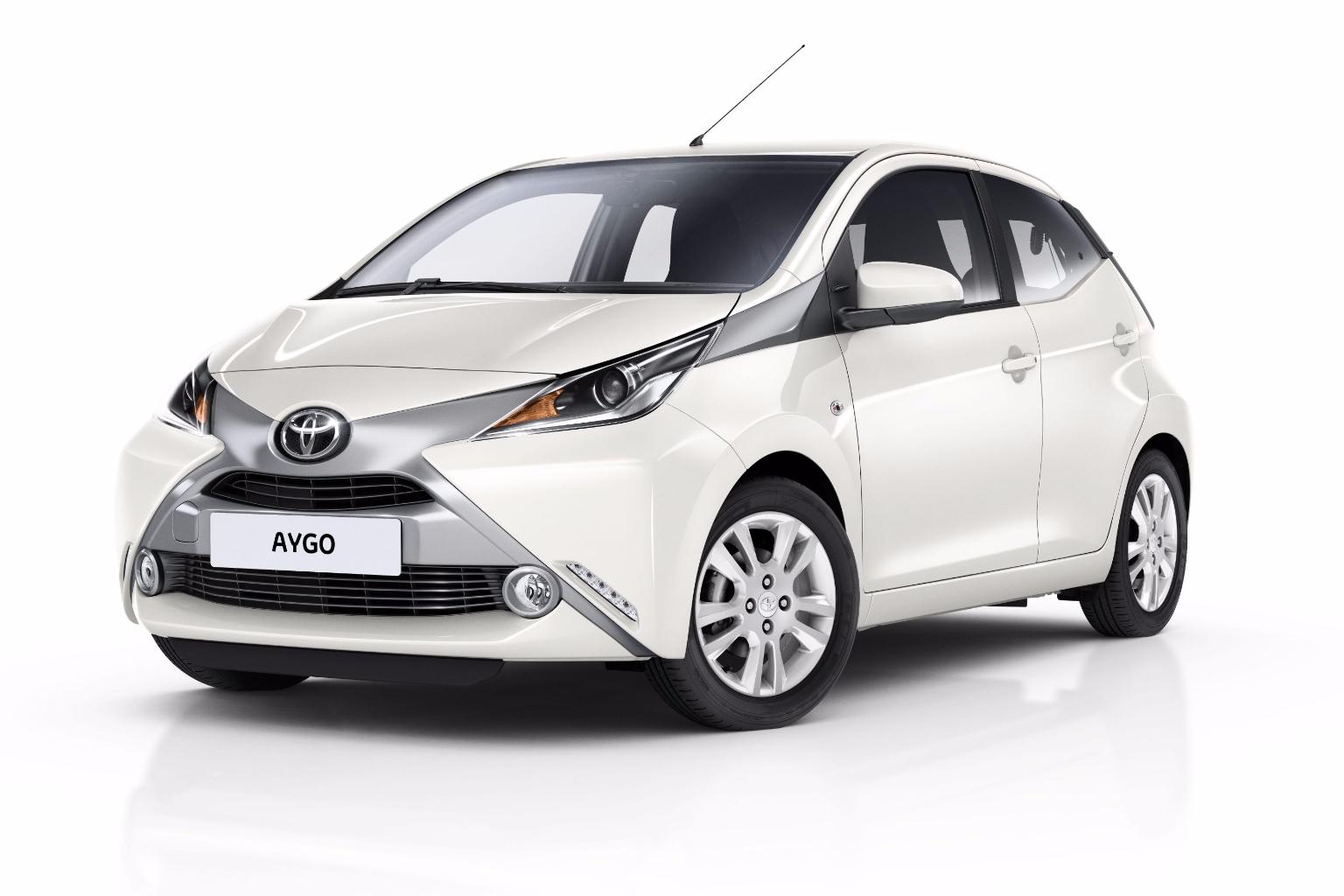 Toyota x-pure (1)