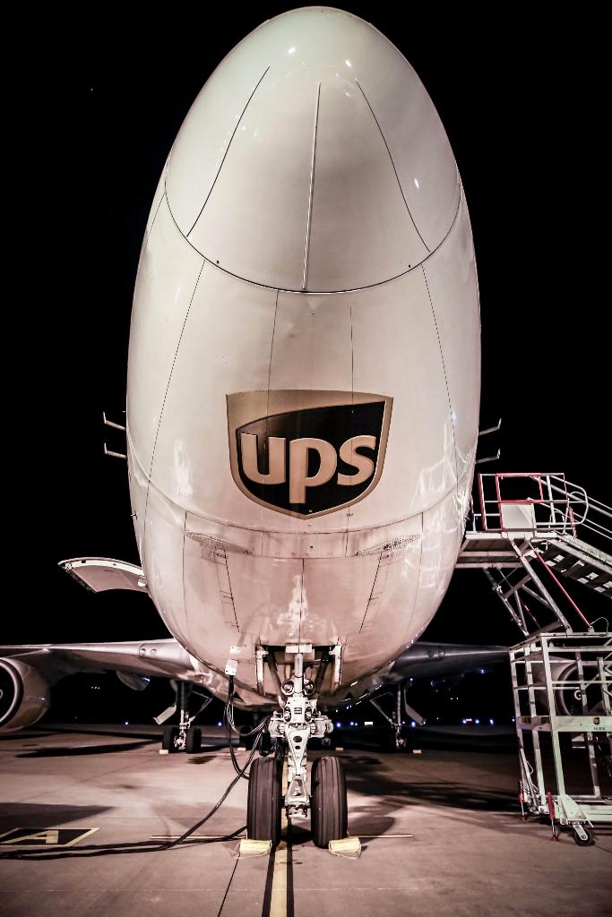 UPS - 013