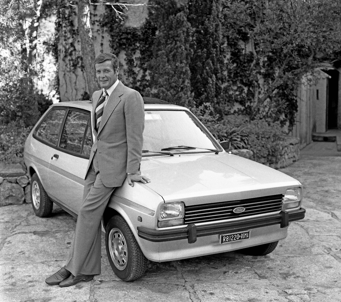 fordfiesta_1976-1983_007rogermoore-1976_01