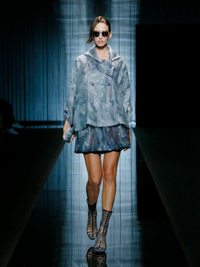 giorgio-armani-womenswear-ss17_01