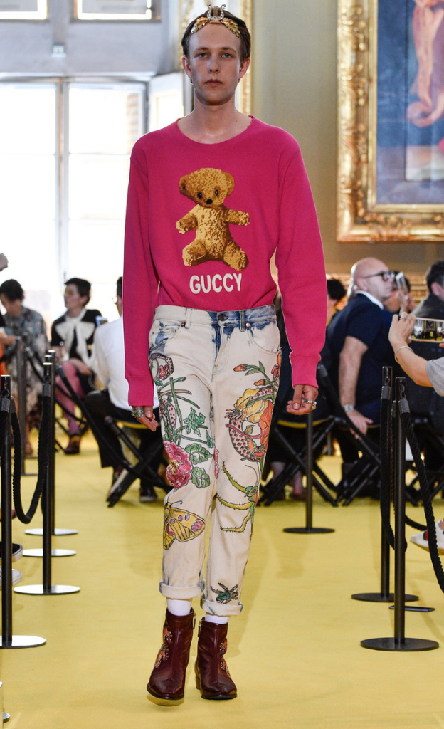 FLORENCE, ITALY - MAY 29: A model walks the runway at the Gucci Cruise 2018 show at Palazzo Pitti on May 29, 2017 in Florence, Italy. (Photo by Pietro D'Aprano/Getty Images)