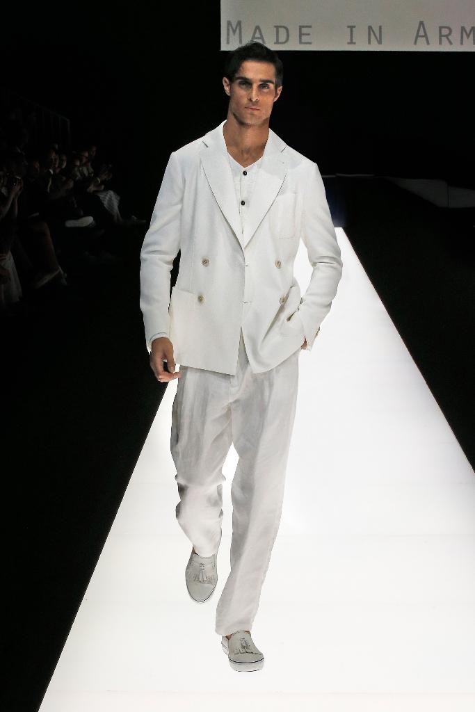 Giorgio Armani Menswear SS18_11