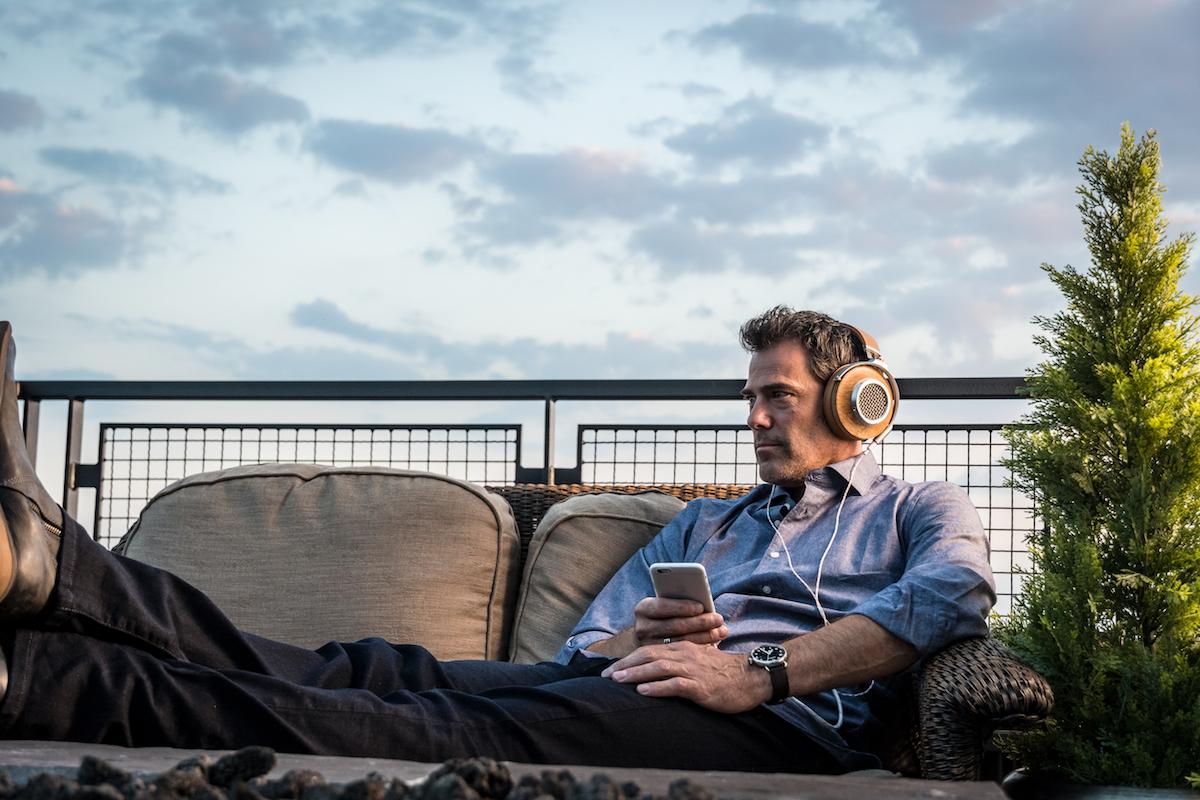 Klipsch_Heritage_Headphones_lifestyle43